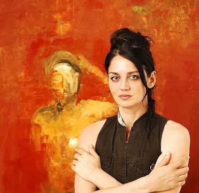 她从古代壁画中汲取灵感,但作品有一种非常现代、神秘的感觉!插图15