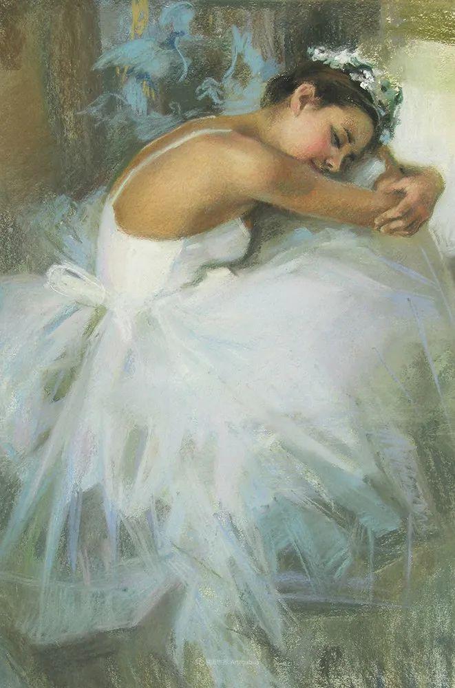 她的色粉芭蕾,舞姿律动,身姿瘦削!插图15