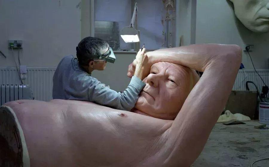 超震撼的人体雕塑,真实到毛骨悚然!插图7