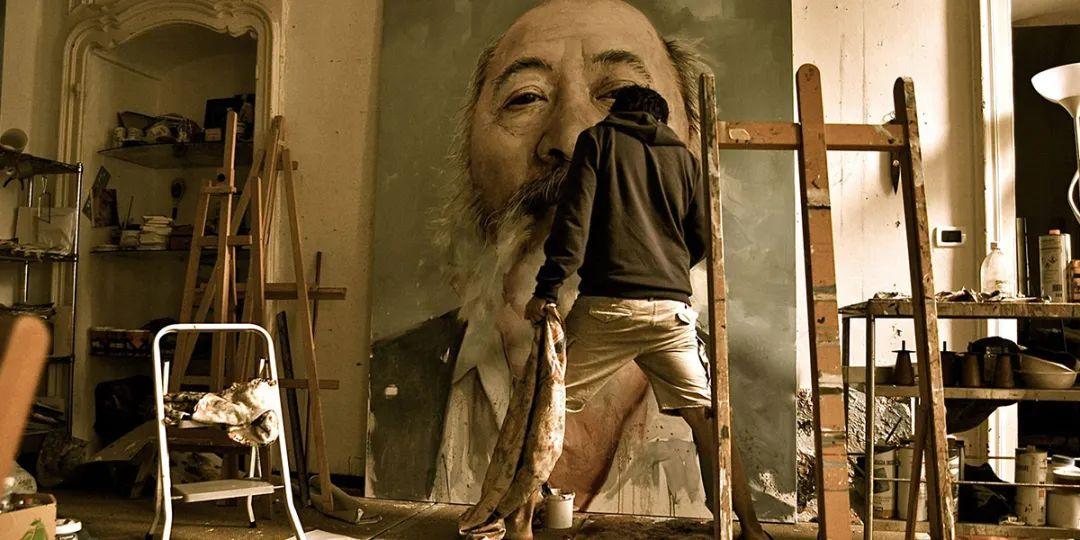通过肖像探索孤独的概念,大型肖像画!插图6