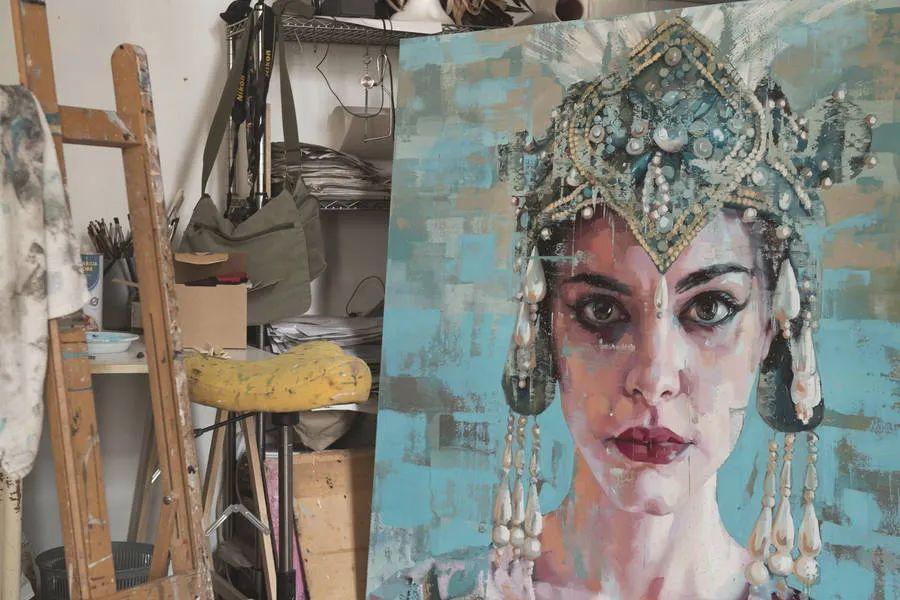 通过肖像探索孤独的概念,大型肖像画!插图14