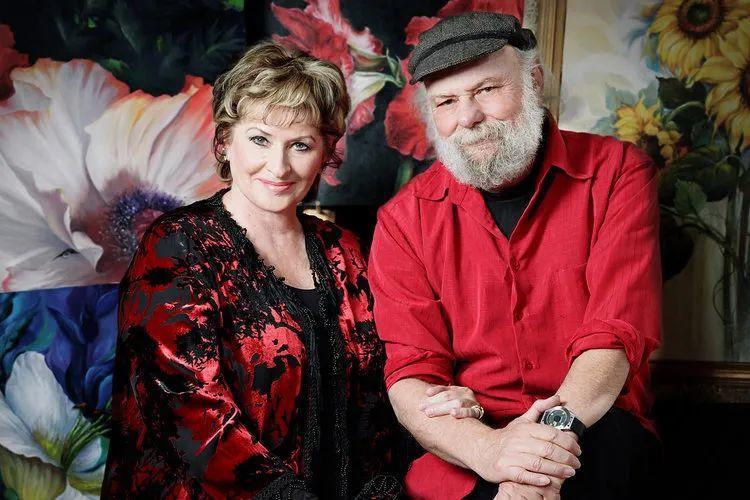 这对老夫妇教授绘画40多年,画的花也太漂亮了!插图2