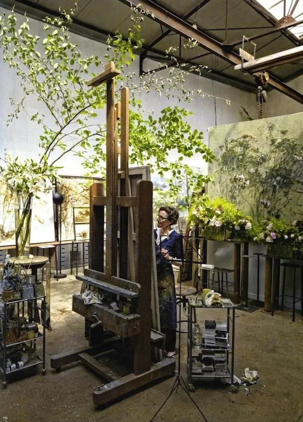 与花为邻,与草木为伍,她的画室充满大自然的灵气插图1