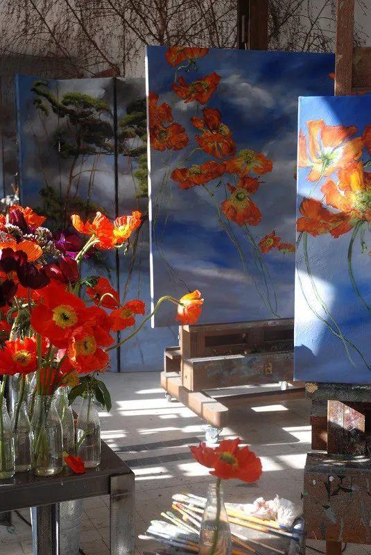 与花为邻,与草木为伍,她的画室充满大自然的灵气插图19