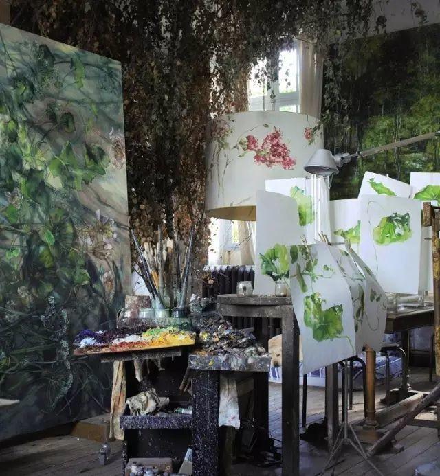 与花为邻,与草木为伍,她的画室充满大自然的灵气插图21