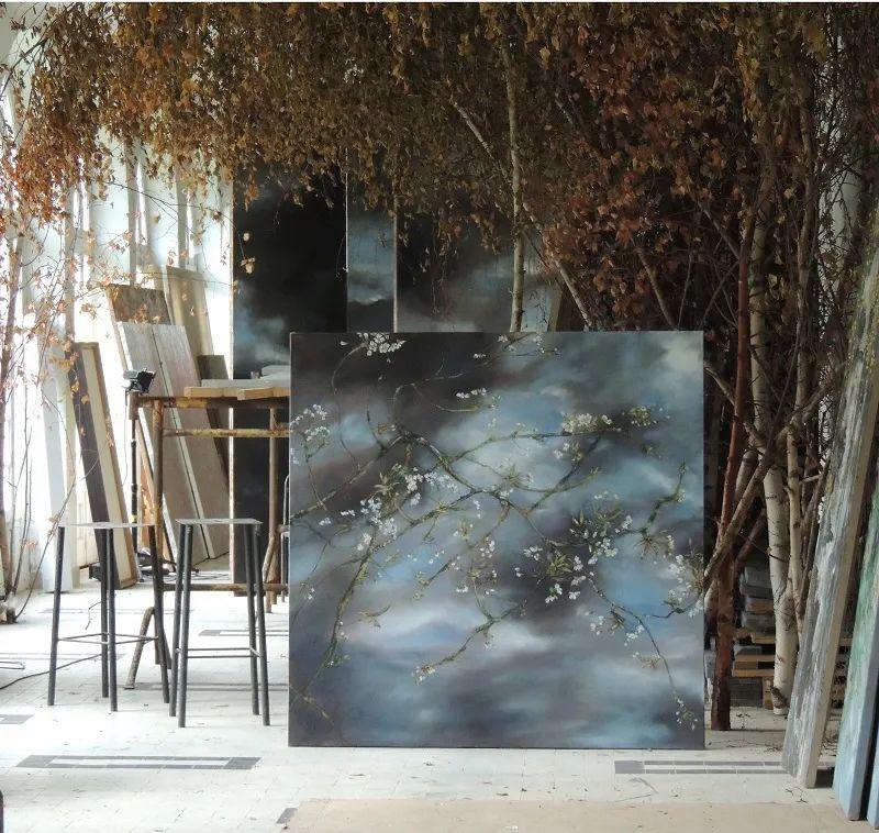 与花为邻,与草木为伍,她的画室充满大自然的灵气插图25