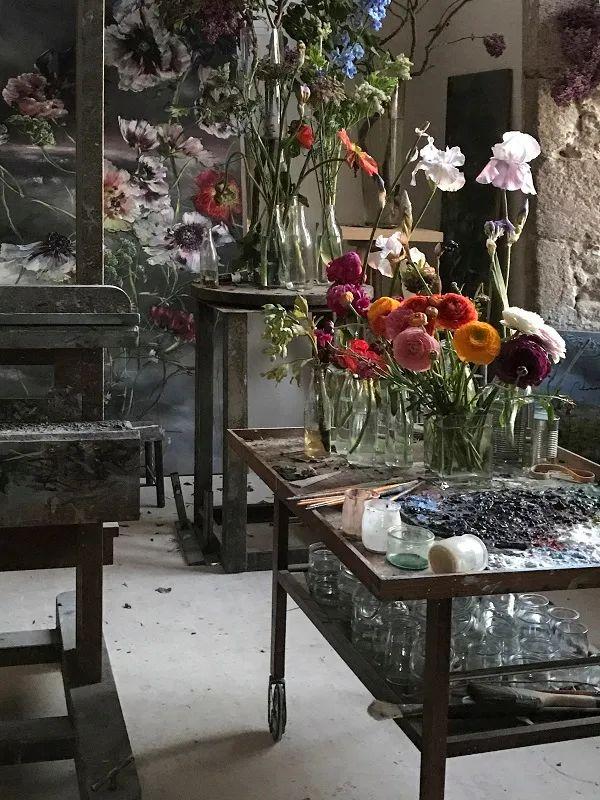 与花为邻,与草木为伍,她的画室充满大自然的灵气插图37