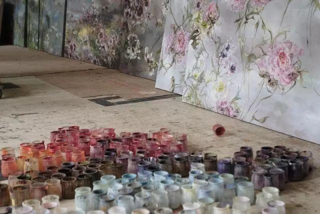 与花为邻,与草木为伍,她的画室充满大自然的灵气插图45