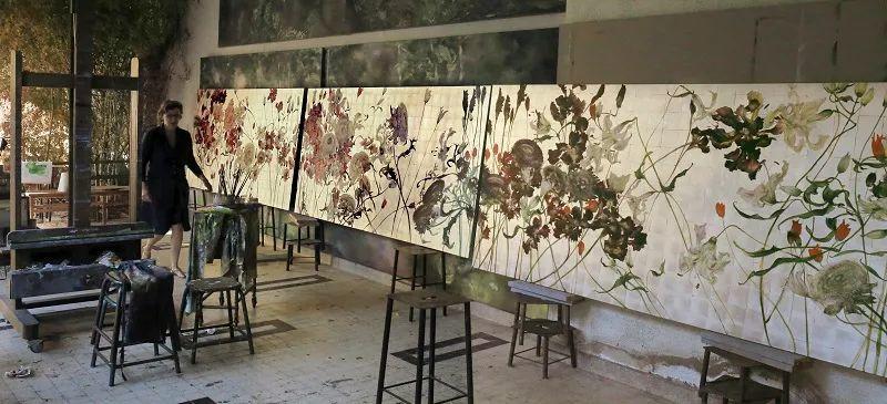 与花为邻,与草木为伍,她的画室充满大自然的灵气插图233