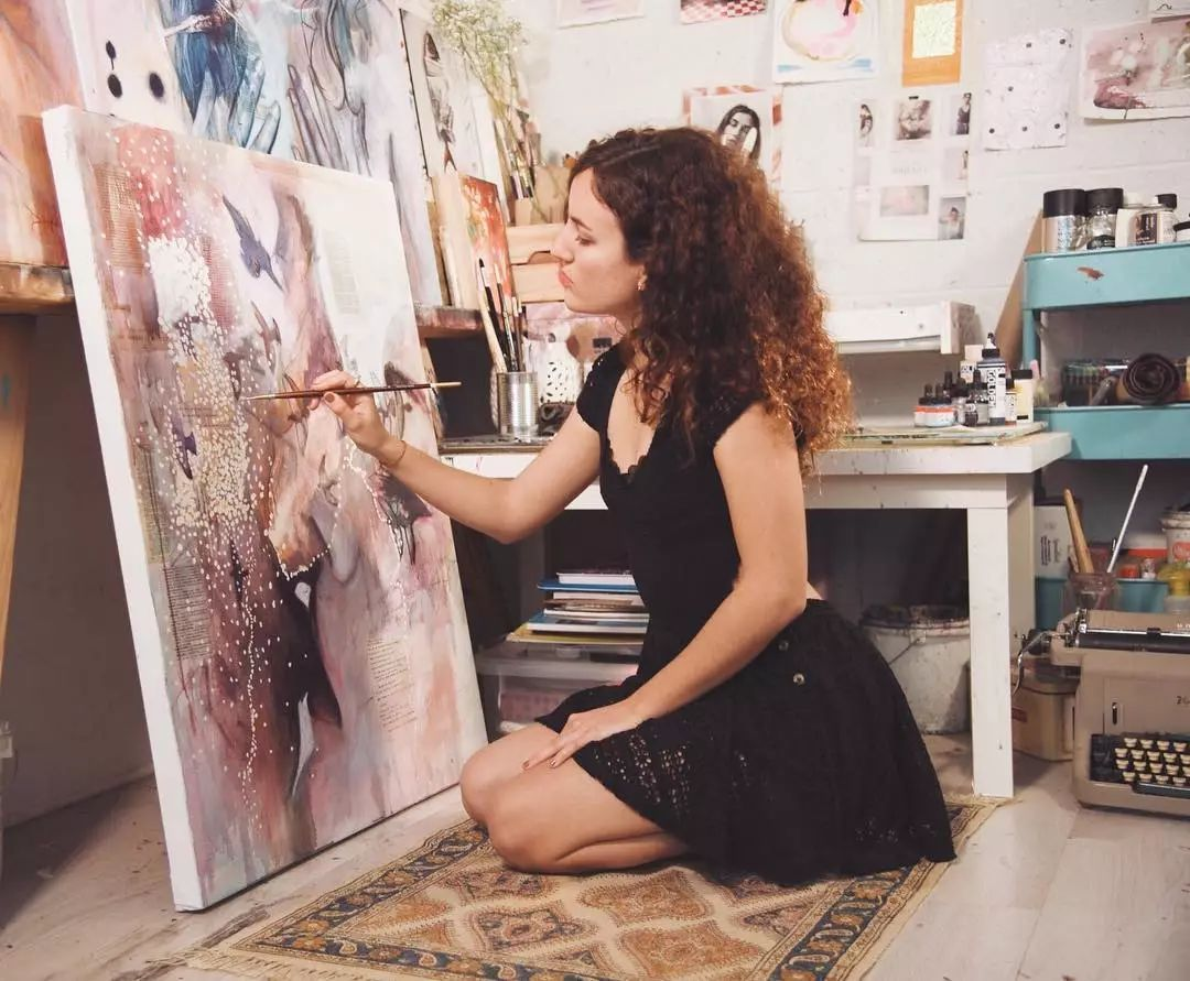 她没上过美院,画作却被世界各地的收藏家争相收藏,16岁卖画赚100万插图15