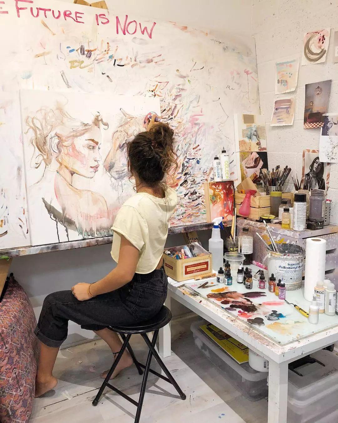 她没上过美院,画作却被世界各地的收藏家争相收藏,16岁卖画赚100万插图56