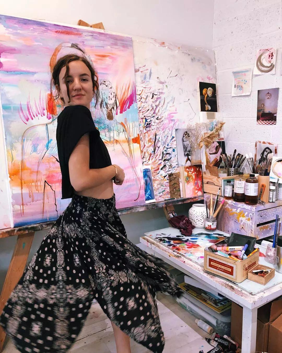 她没上过美院,画作却被世界各地的收藏家争相收藏,16岁卖画赚100万插图69