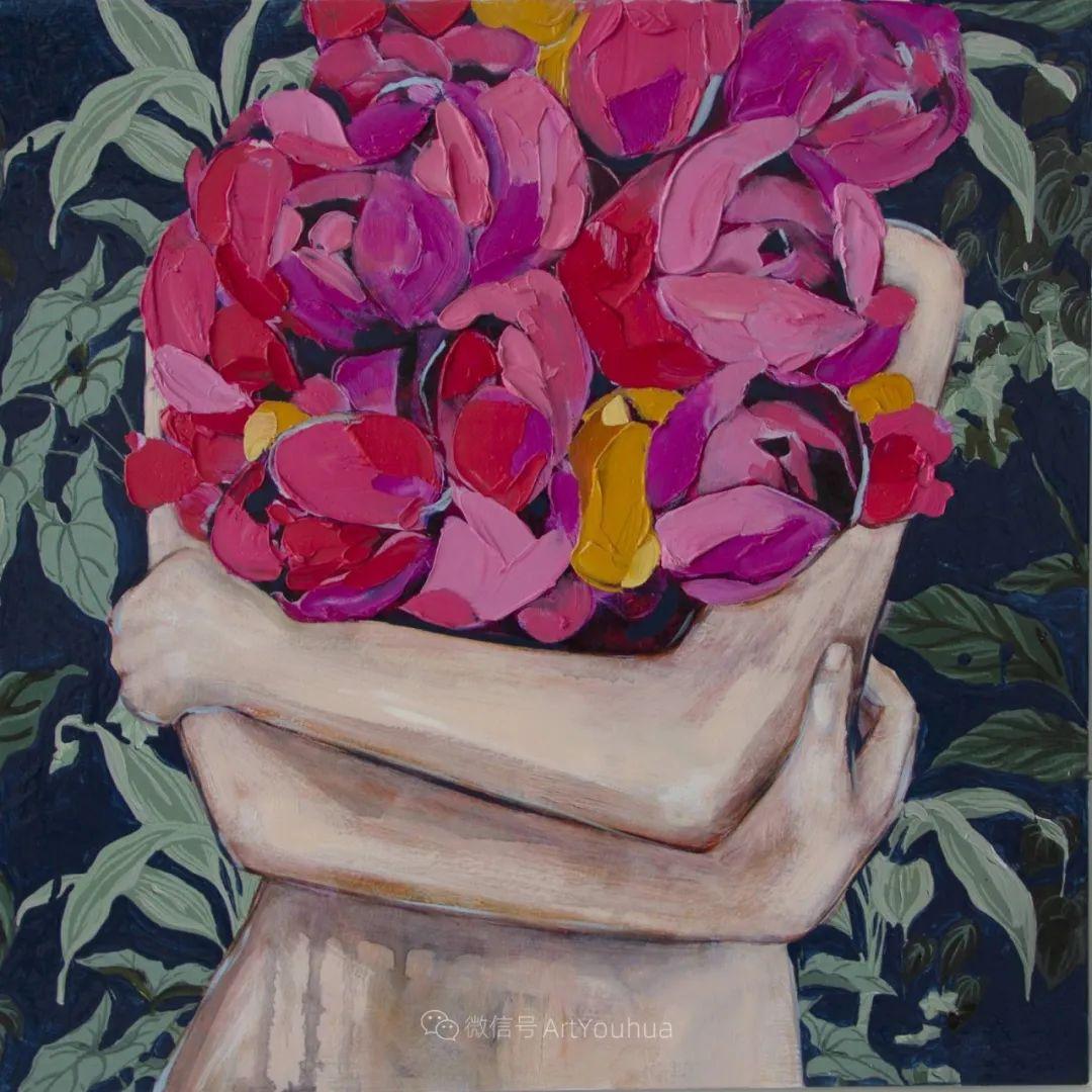 拥抱鲜花的女子,澳大利亚艺术家杰西卡·沃茨插图23