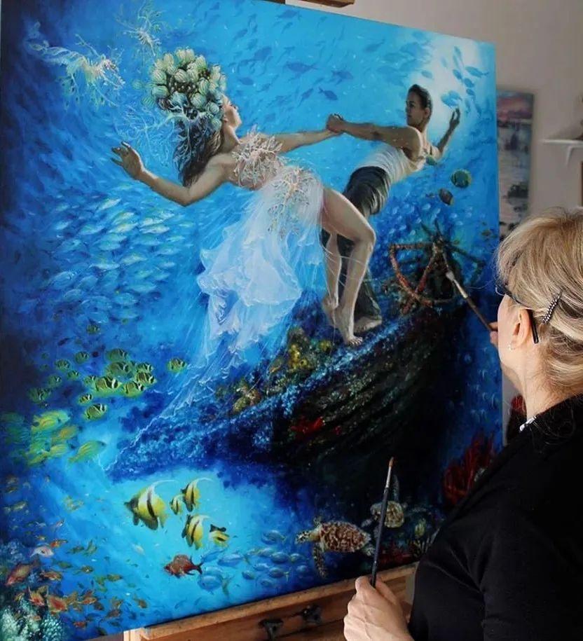 美女画家笔下富有感染力、戏剧性的唯美油画!插图4