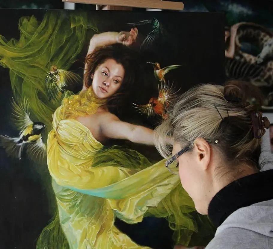 美女画家笔下富有感染力、戏剧性的唯美油画!插图17