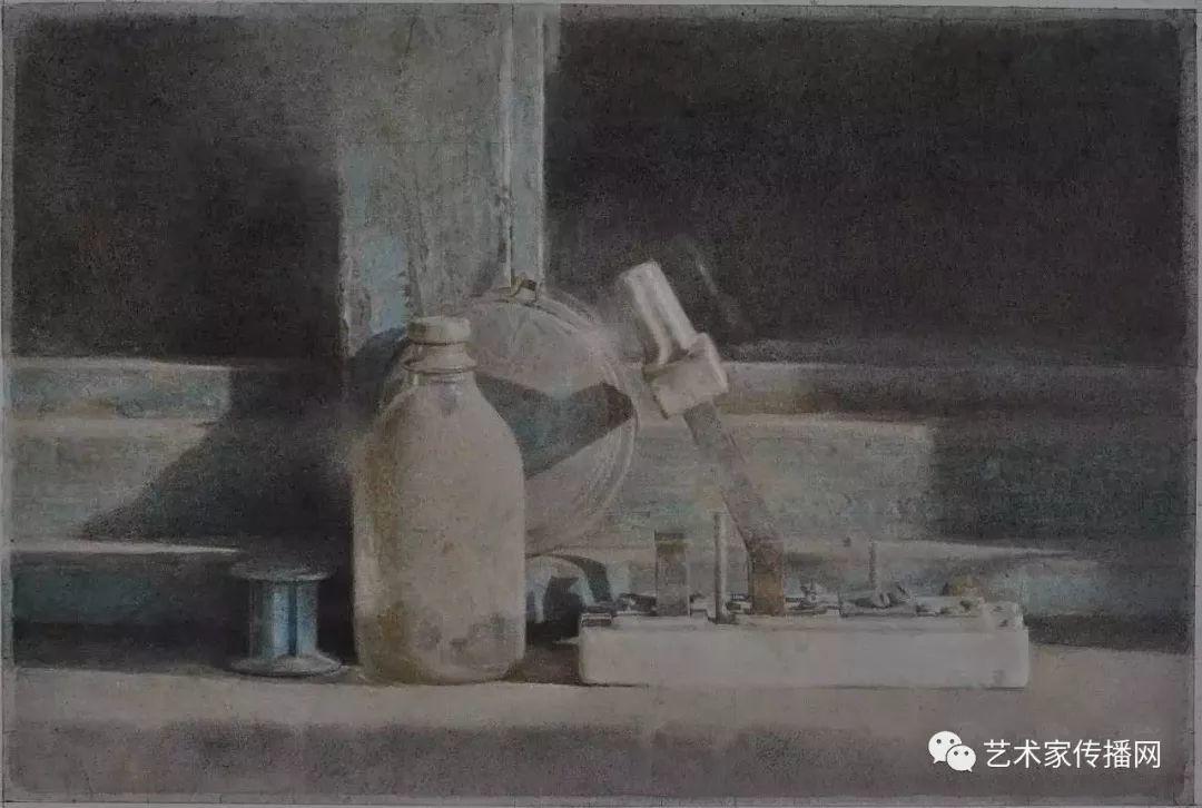 他只画老油灯空瓶子和女人体,却惊艳了整个画坛!插图33