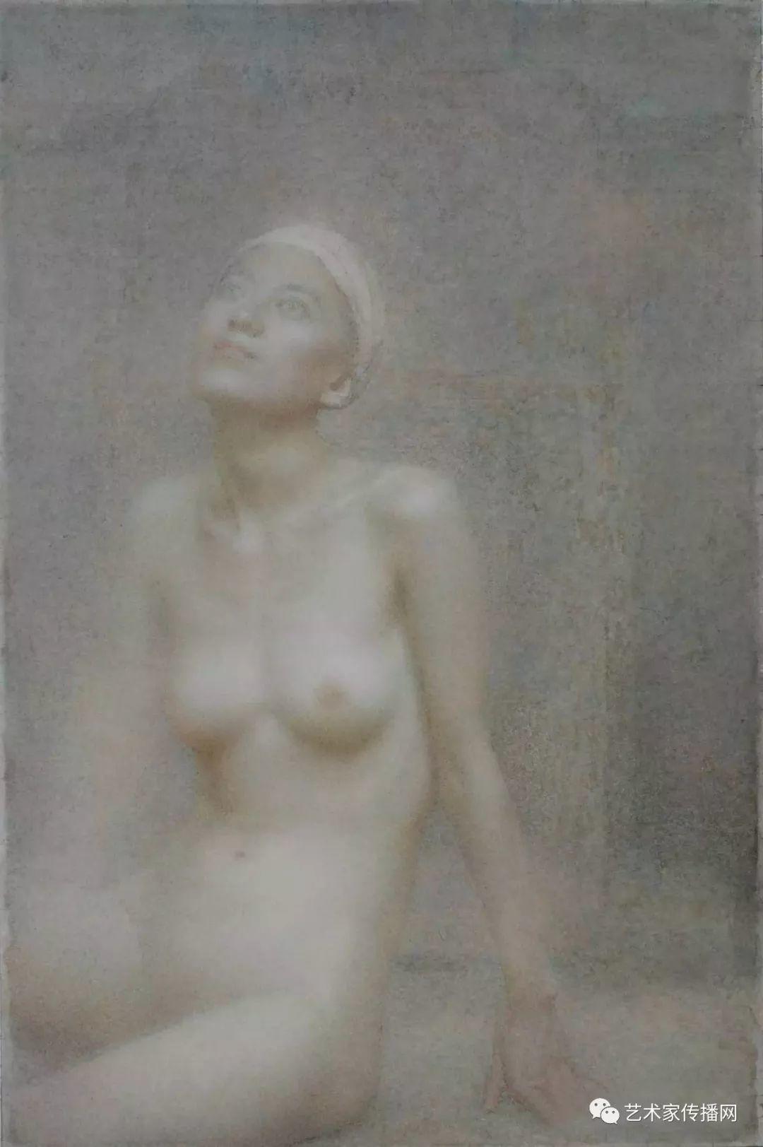 他只画老油灯空瓶子和女人体,却惊艳了整个画坛!插图45