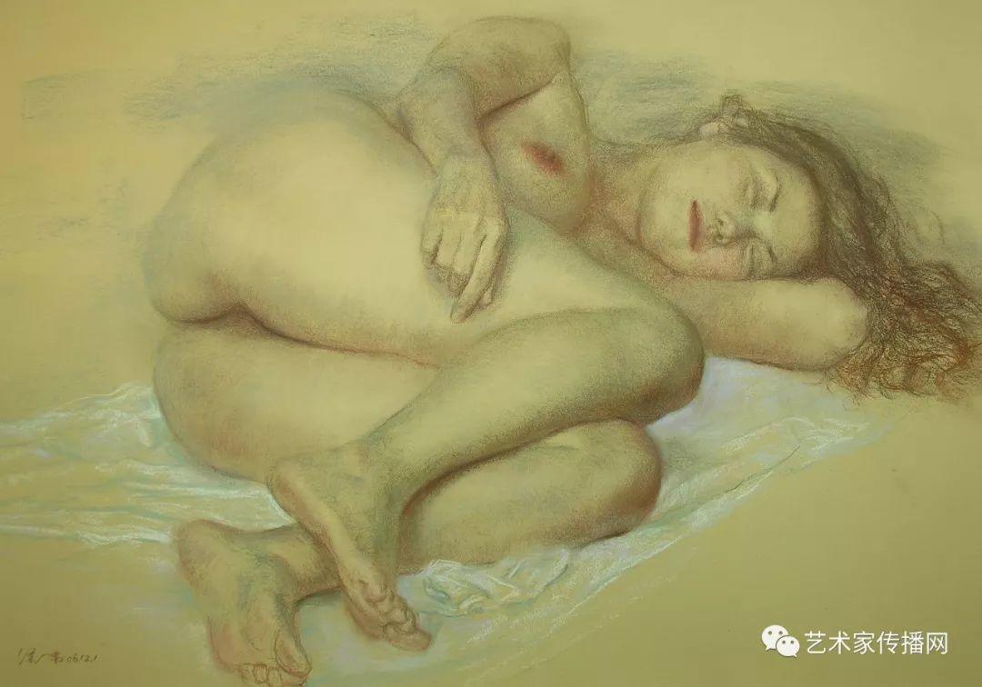 他只画老油灯空瓶子和女人体,却惊艳了整个画坛!插图191